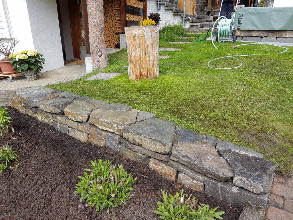 Trockenmauern in Interlaken